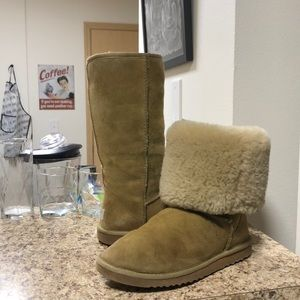 •LOW PRICE AS IS• $220 RETAIL TALL WOMENS UGG BOOT